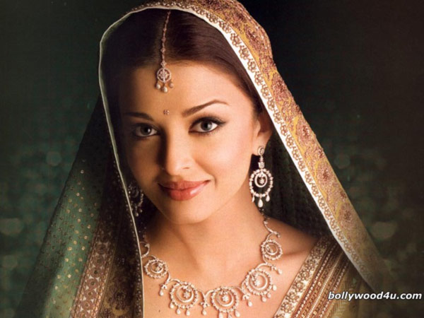 http://www.webzona.ru/picture/Aishwarya_Rai/Aishwarya-Rai-200905051211450.jpg